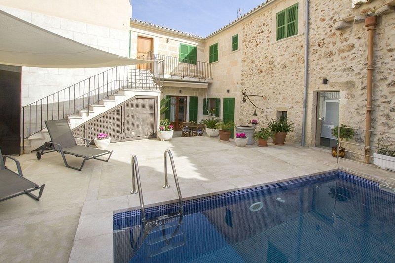 Pina - Excelente casa con piscina, location de vacances à Lloret de Vistalegre