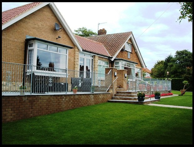 Glen-Lyn Self-Catering,luxury modern and contemporary accommodation with parking, holiday rental in Robin Hood's Bay