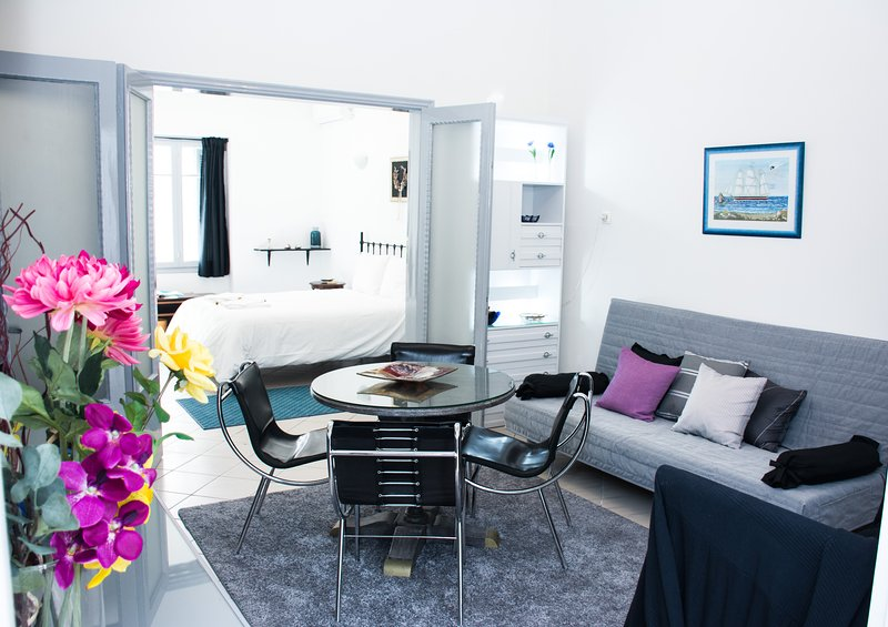 Pearl place,120m² private house (3-bedrooms), location de vacances à Pirée