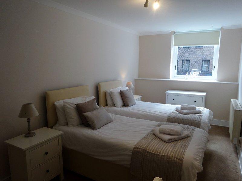 St Andrews Square Spacious 2 bedroom Apartment, location de vacances à Rutherglen