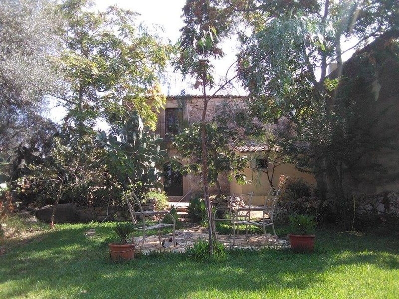 Giardini di Luce B&B, vacation rental in Licodia Eubea