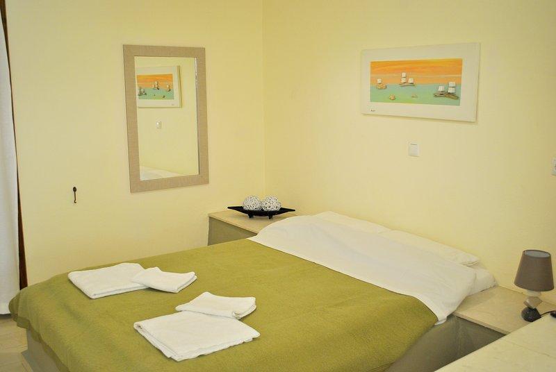 """Βeautiful apartment near the sea """"Elia"""", holiday rental in Tertsa"""