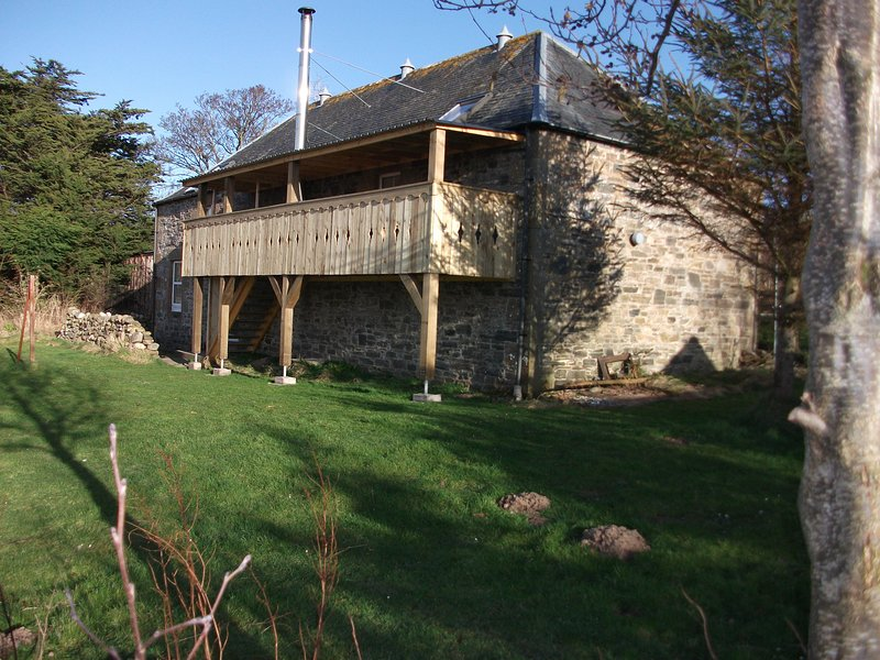 The Granary, Private house with balcony near the Sea., vacation rental in Buckie