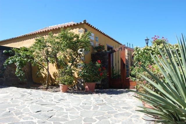 Charming Country house Guía de Isora, Tenerife, vacation rental in Guia de Isora