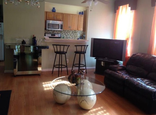 Great room in spacious apartment in Inwood, holiday rental in Yonkers