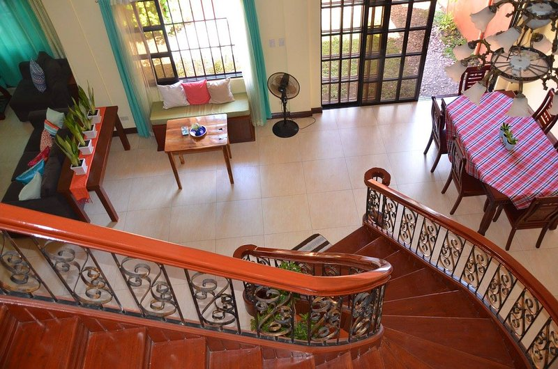 UmaVerde Bed & Breakfast - Executive Room, vacation rental in Antique Province