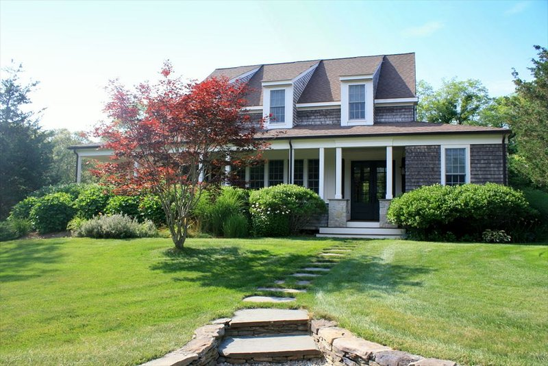 GORGEOUS Home with Pool and Central A/C 106854, vacation rental in Eastham