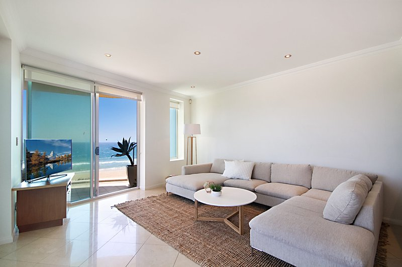 Aqua Solai 9 - Absolute Beachfront, vacation rental in Burleigh Waters