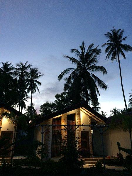 PalmGardenVilla Kuta-Lombok in Meeresluft relaxen, location de vacances à Kuta