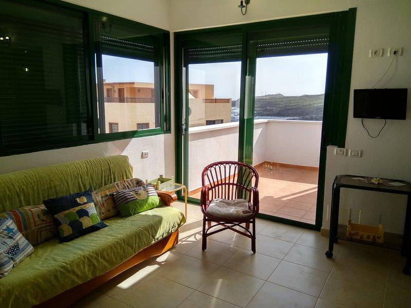 VEROCÁN ÁTICO I . El Tamaduste, holiday rental in El Mocanal