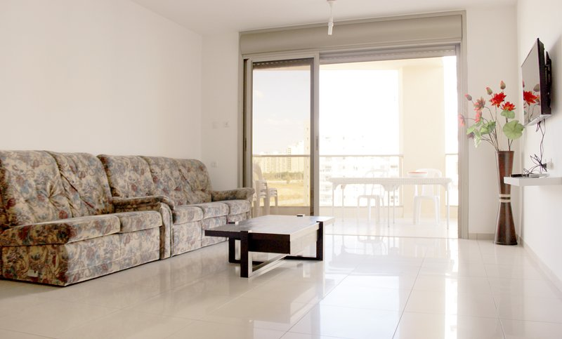 Apartment near the beach and shopping center, alquiler vacacional en Asdod