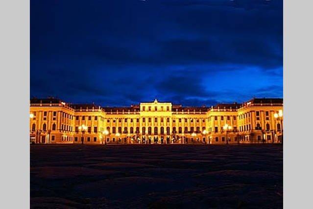 Schönbrunn par nuit