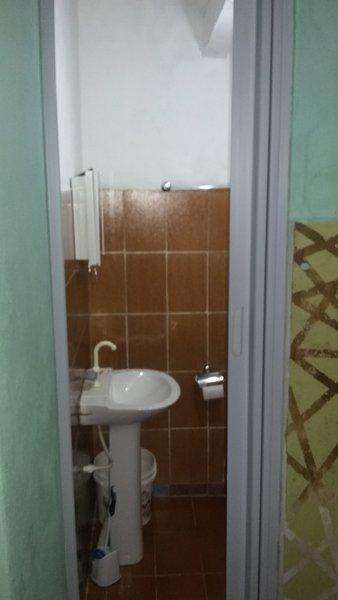 Room 01 - Acai - Bathroom view.