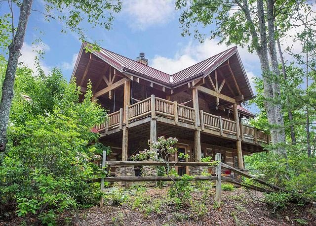 Serenity Lake Cabin | Pet friendly, hot tub, fire pit, private dock on lake, vacation rental in Old Fort