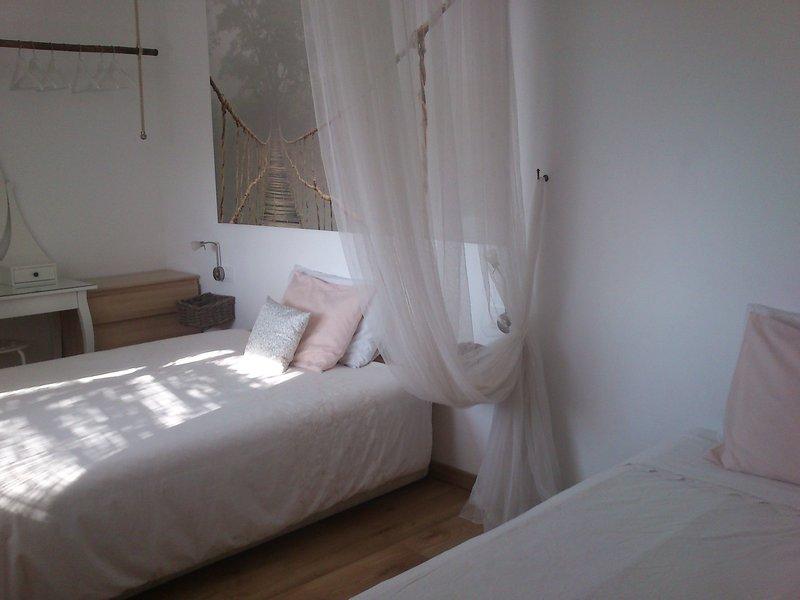 ESTE É O CAMINHO parece que porque se você precisar de uma cama extra (MUITO GRANDE quartos)