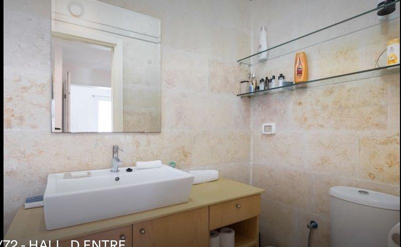Zimmer Badetuch zur Verfügung gestellt