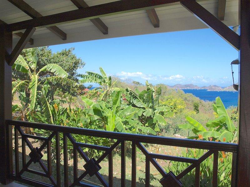 COCO A L'EAU T3 vue magnifique sur la baie des Saintes classé 3 étoiles, vacation rental in Terre-de-Bas