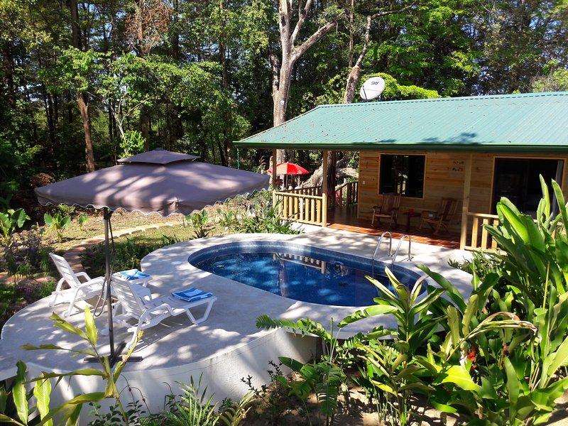 Ocean Melody 2: Private, Pool, close to Beaches!, alquiler de vacaciones en Uvita
