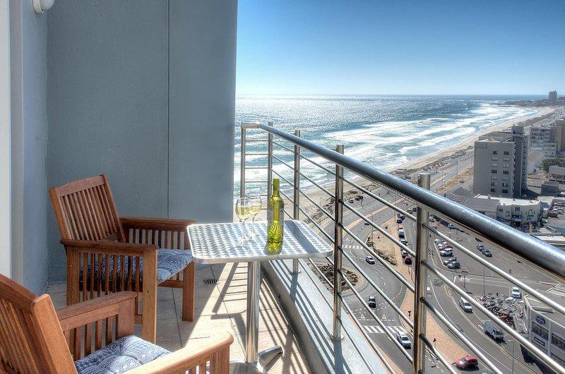 Horizon Bay 1404 Beachfront Self Catering Studio Apartment, alquiler vacacional en Parklands