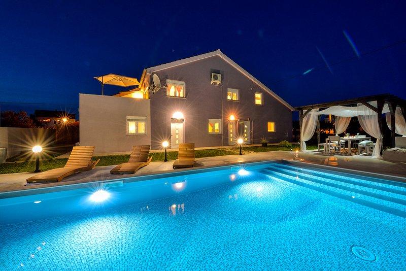Villa Levante -Apartment Levanta 2, holiday rental in Poljica