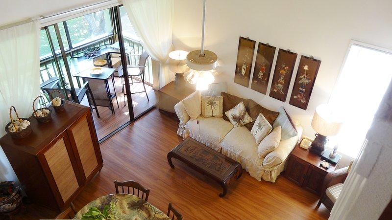 Aire acondicionado Amplia sala de estar en la esquina de arriba Condo
