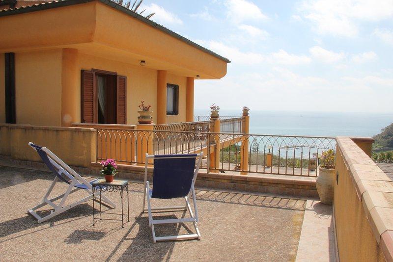 Villa con splendida vista sul mare. – semesterbostad i Sciacca