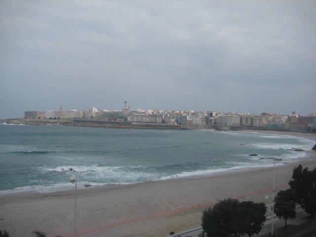 Amplio piso frente a la playa de Piazor, location de vacances à San Lorenzo