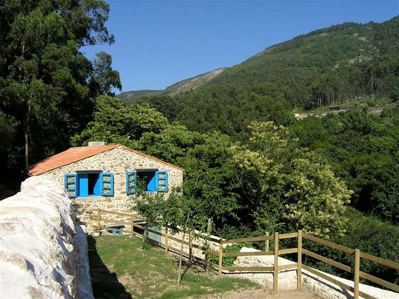 Casa de Turismo Rural - Apartamento, holiday rental in Viladesuso