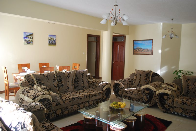 40 sq.m. Living/Dining Area with 7 seat Sofa Set