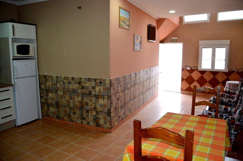 El Mirador de Clavijo, apartamento entrada a pie de calle 2 / 3 plazas Río Leza, holiday rental in Ausejo