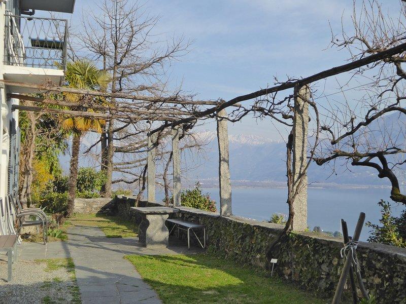 Ferien-Geheimtipp, Wohnung Steintisch 1-6 Personen, casa vacanza a Lago Maggiore