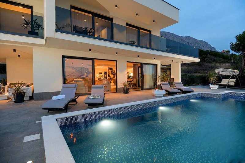 Luxury Villa Happiness 5 **** with pool, Jacuzzi, sauna and gym by the sea - Stanici - Omis
