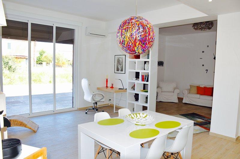 Casa Blanca Sampieri, holiday rental in Sampieri