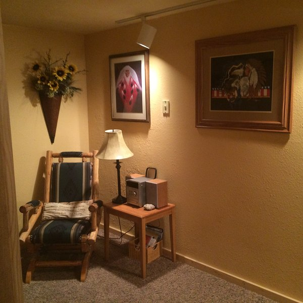 Reading nook, lower level