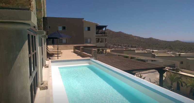 piscina recorrido ofrece unas vistas panorámicas
