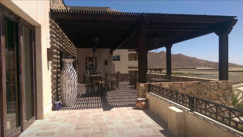 Restaurant level patio