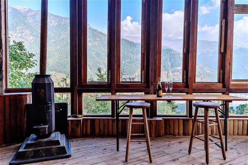 Taara House Luxury Cottage, vacation rental in Burua