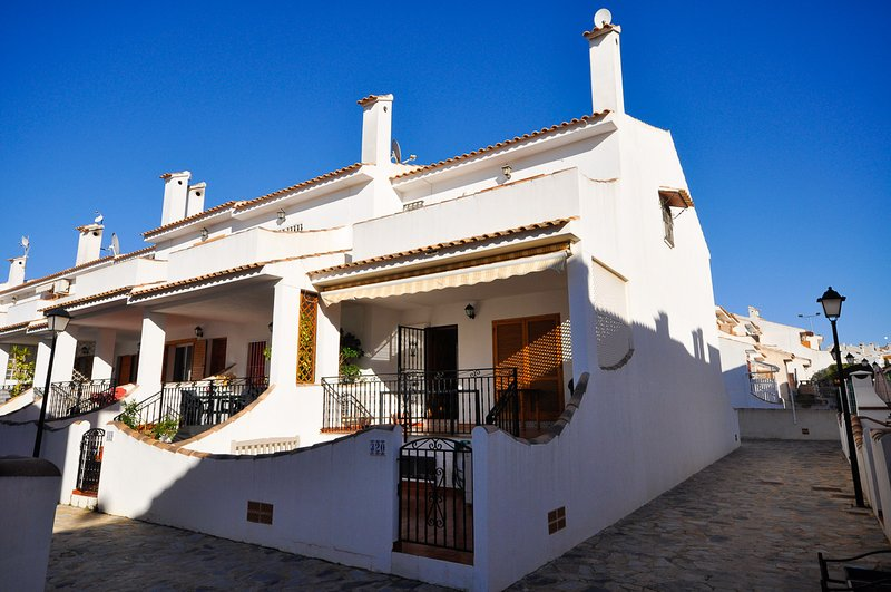 Luxury House in Gran Alacant, vacation rental in Gran Alacant