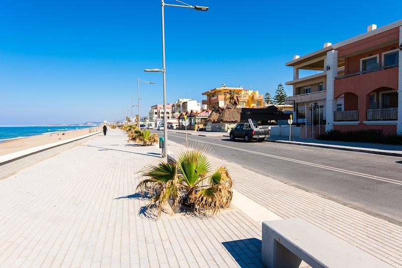 frente playa y calle