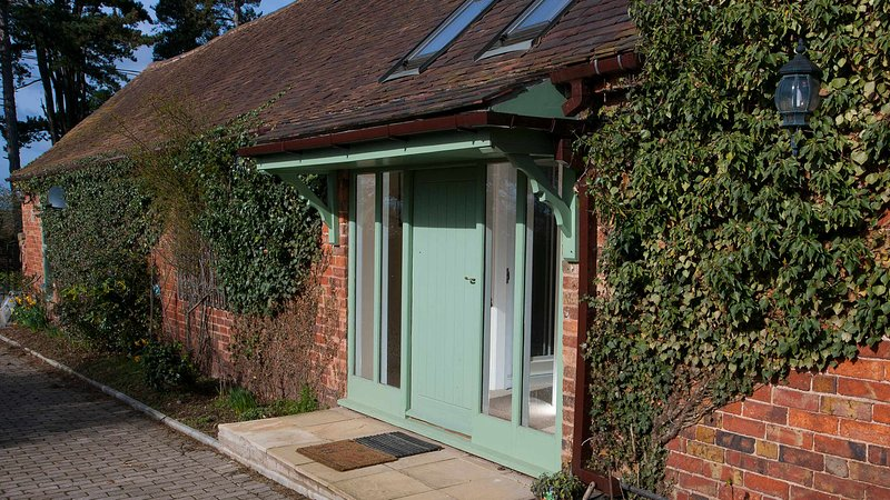 Mead Cottage, holiday rental in Upton Cressett