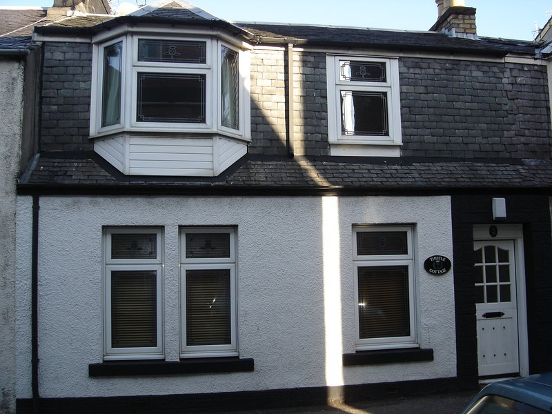 Thistle Cottage, vacation rental in Largs