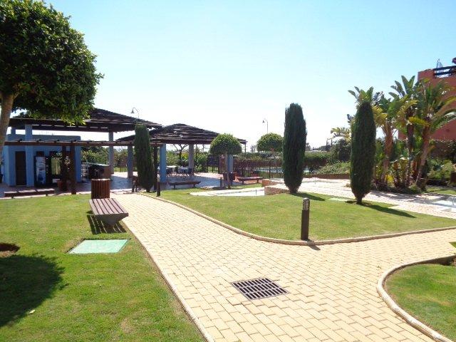 Garden & Bar