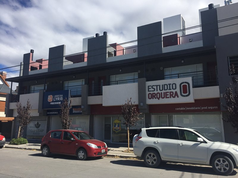 Excelente Departamentos a estrenar, holiday rental in Province of Chubut