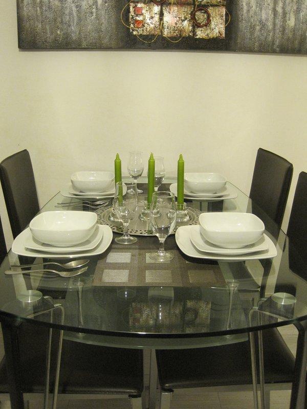 Der Essbereich. La table de repas.