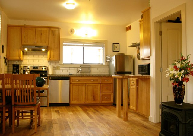 Attractive Downtown Cottage, vacation rental in Arcata