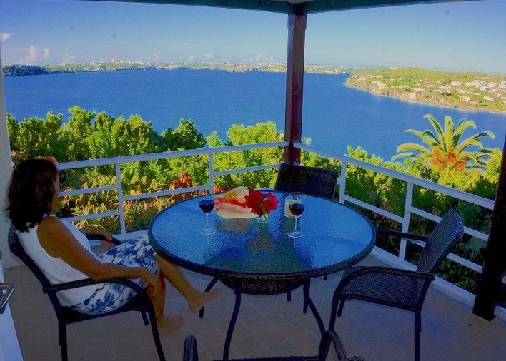 Cloud High Panoramic Water View Queen, holiday rental in Hamilton Parish