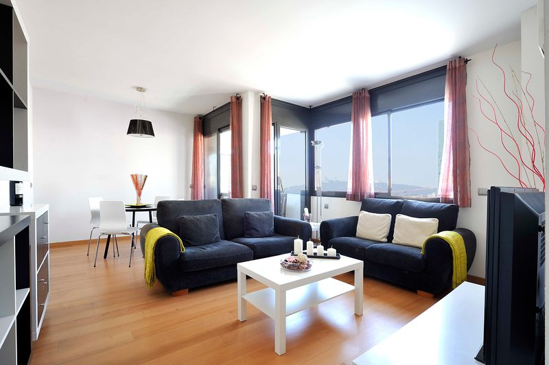 Family Apartment in the Beach with Terrace and Pool - B213, vacation rental in Barcelona