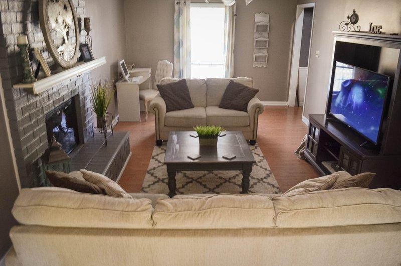 Family Friendly Rental, holiday rental in Martinez