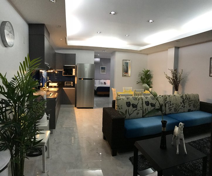Anavada Apartment Inn, 55-60 SQ.M.,FULLY FURNISHEDMore SUITES AVAILABLE, location de vacances à Davao City
