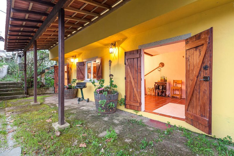 Near Porto but in Full Nature, vacation rental in Pacos de Ferreira